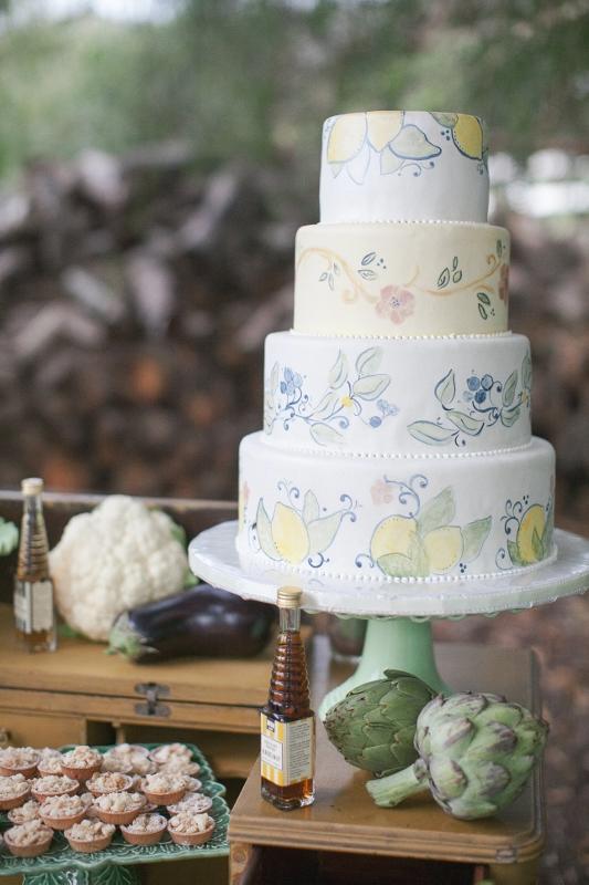 tuscan-wedding-cake-design-sweet-cheeks-baking-co-bryan-miller-photo
