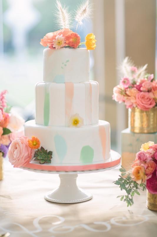 watercolor-cake-sweet-cheeks-baking-co-joielala-photography-amorology-weddings-533x800