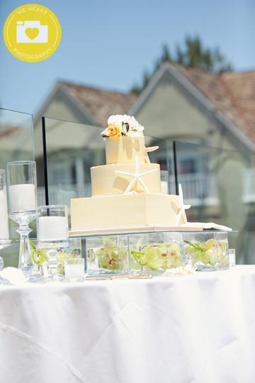 wedding-cake-on-vases-krystal-d-wedding-we-heart-photography-1