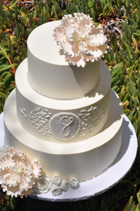 wedding-cake-with-monogram-scrollwork-peach-peony-3-531x800