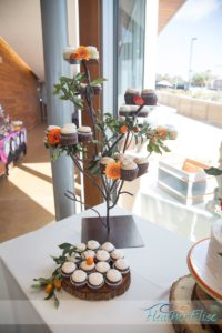 Kristen & Jenn, Cupcake Tree by Sweet Cheeks, Enticing Tables tree, Heather Elise photography, scripps seaside forum wedding (161 of 914)-X3